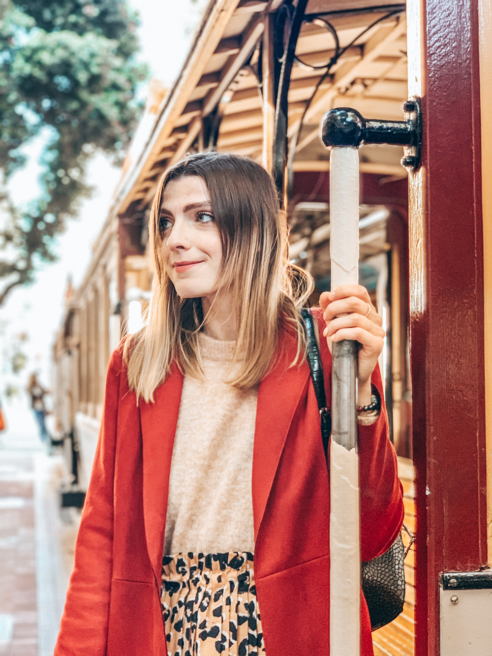 Photo portrait devant le Cable Car San Francisco