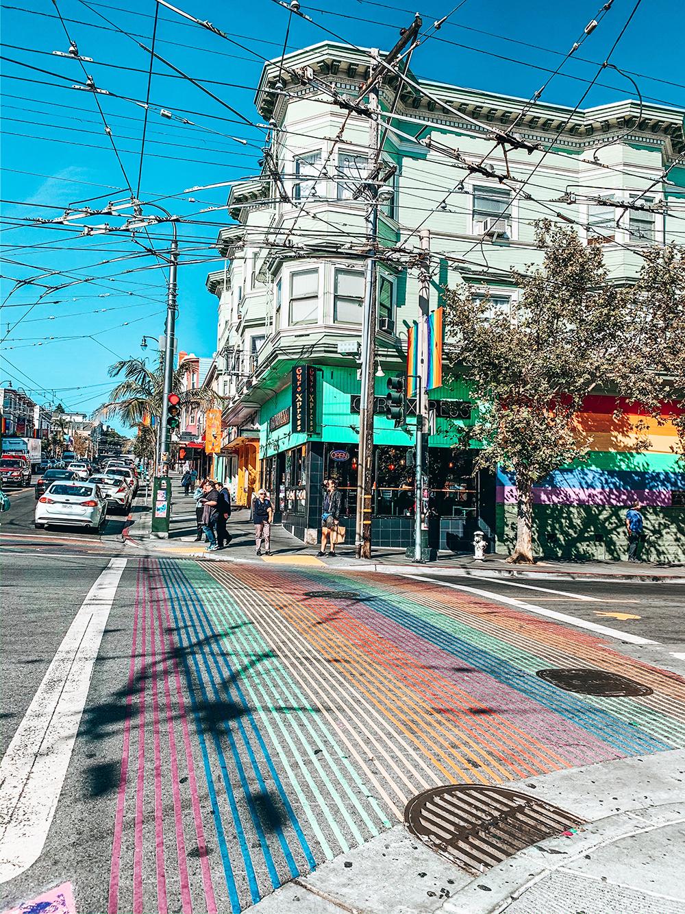 Passage piéton arc-en-ciel Castro Street